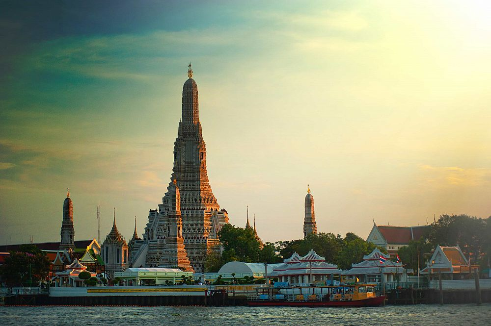 Step-By-Step Guide to Legally Teaching English in Thailand | ITTT | TEFL Blog