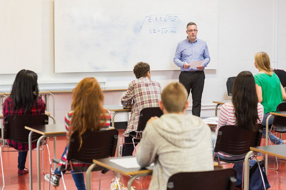 The Difference Between Teaching One-to-One and Groups | ITTT | TEFL Blog