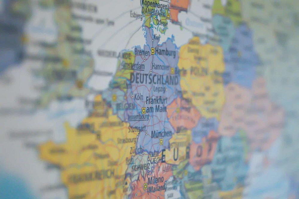 Different Rules of Etiquette in European Countries | ITTT | TEFL Blog