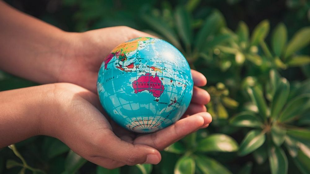 Why is English spoken all over the world? | ITTT | TEFL Blog