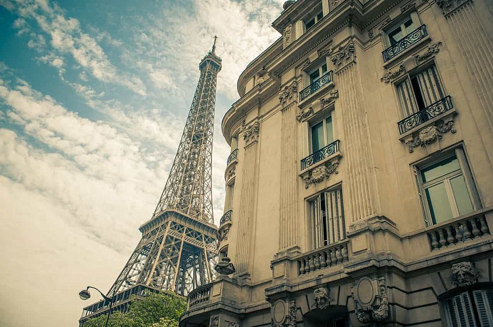 How to Legally Teach English in France With a Student Visa | ITTT | TEFL Blog