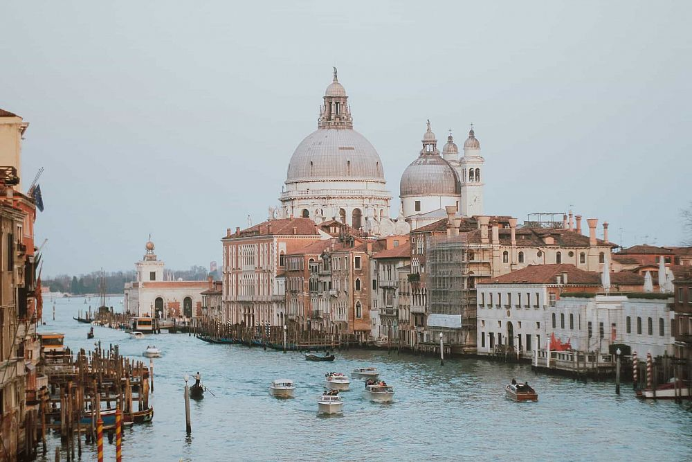 Teaching English in Italy - The Salary and Budget Guide | ITTT | TEFL Blog
