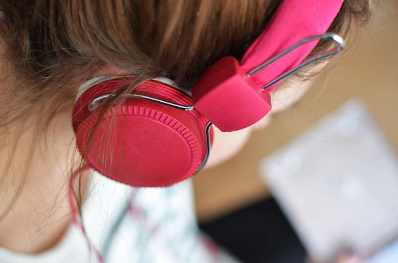 Great Ideas for Teaching Listening Skills in the ESL Classroom | ITTT | TEFL Blog