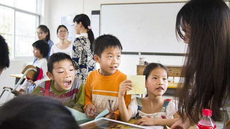 10 Tips When Teaching English as a Foreign Language to Children | ITTT | TEFL Blog