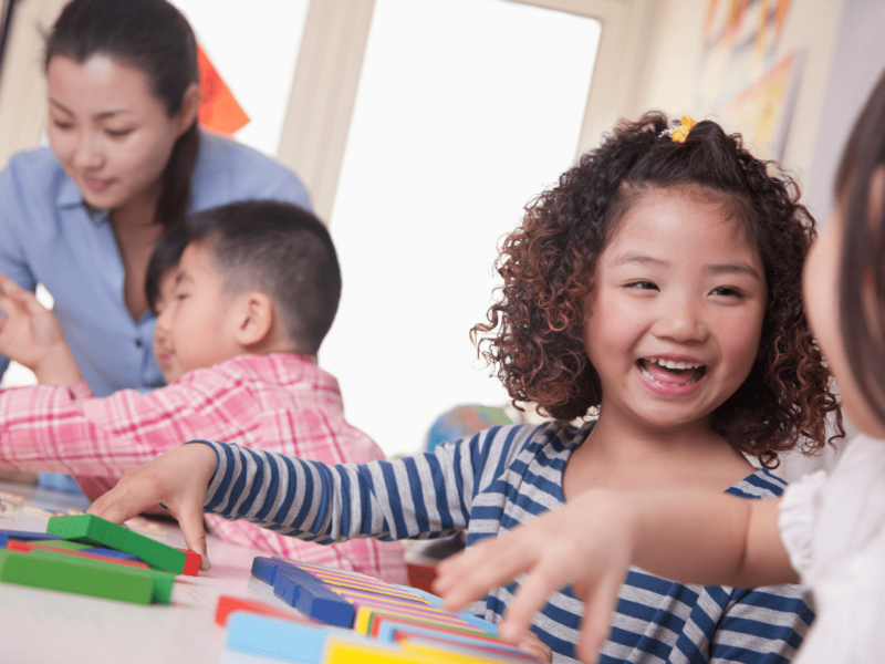 The Advantages and  Disadvantages of Teaching English to Young Children | ITTT | TEFL Blog